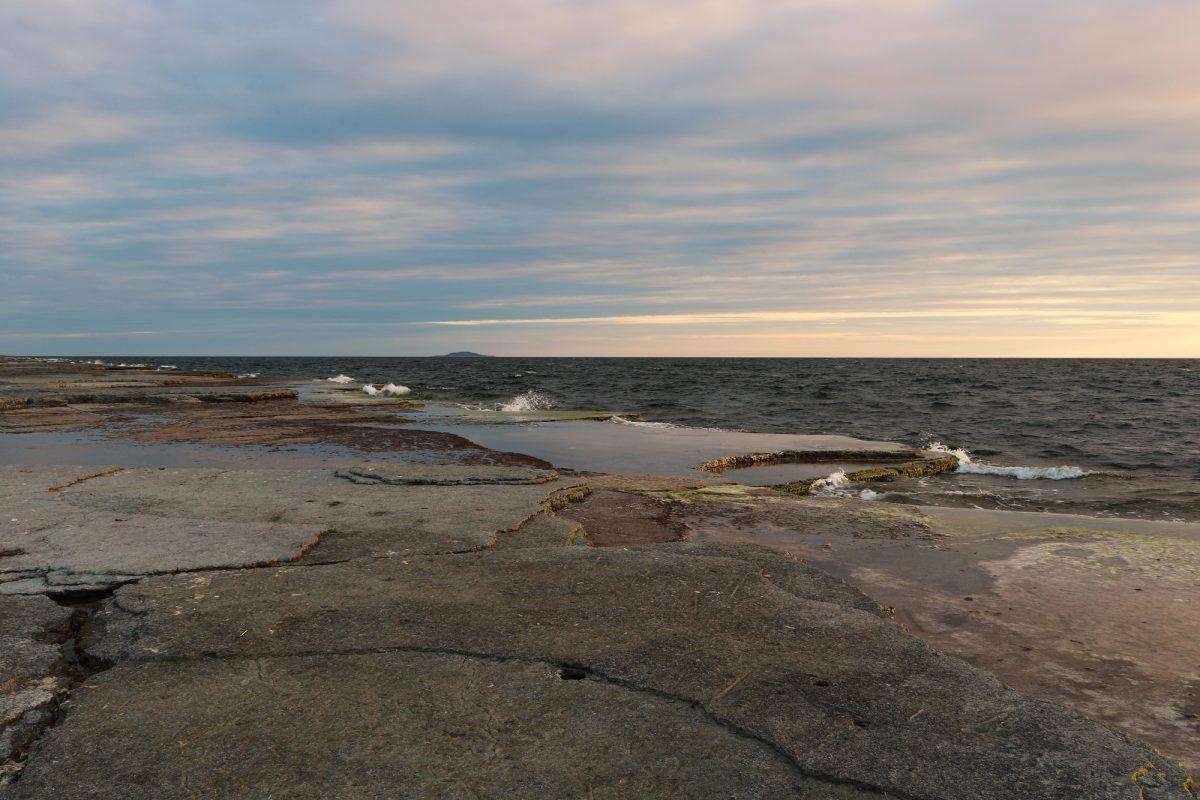 Neptuni Åkrar, los campos de roca junto al mar en Byxelkrok, Öland <br> Foto: Israel Úbeda / sweetsweden.com