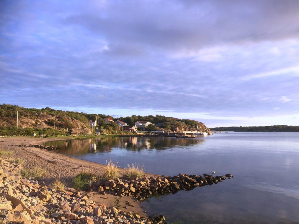 Playa familiar a la entrada de Grebbestad <br> Foto: Israel Ubeda / sweetsweden.com