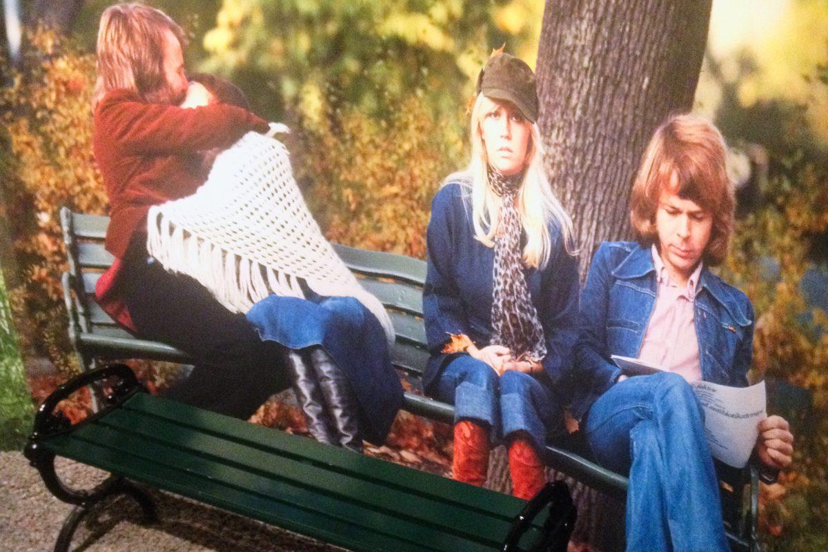 Banco en el parque del disco de Grandes Exitos de ABBA <br> Foto: Israel Ubeda / sweetsweden.com