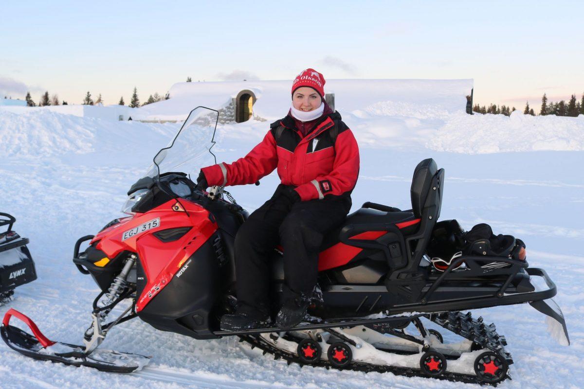 Bien abrigados para la moto de nieve