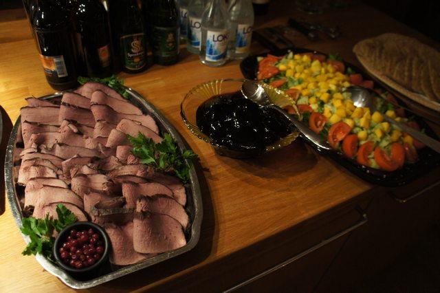 Alimentos listos en la Cena de casa en casa en Vuollerim
