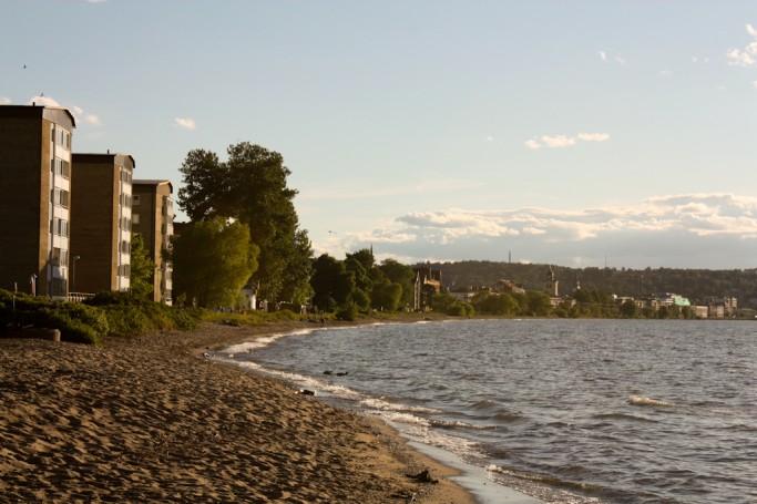 Playa en el lago Vättern en Jönköping, Suecia - foto: Israel Úbeda