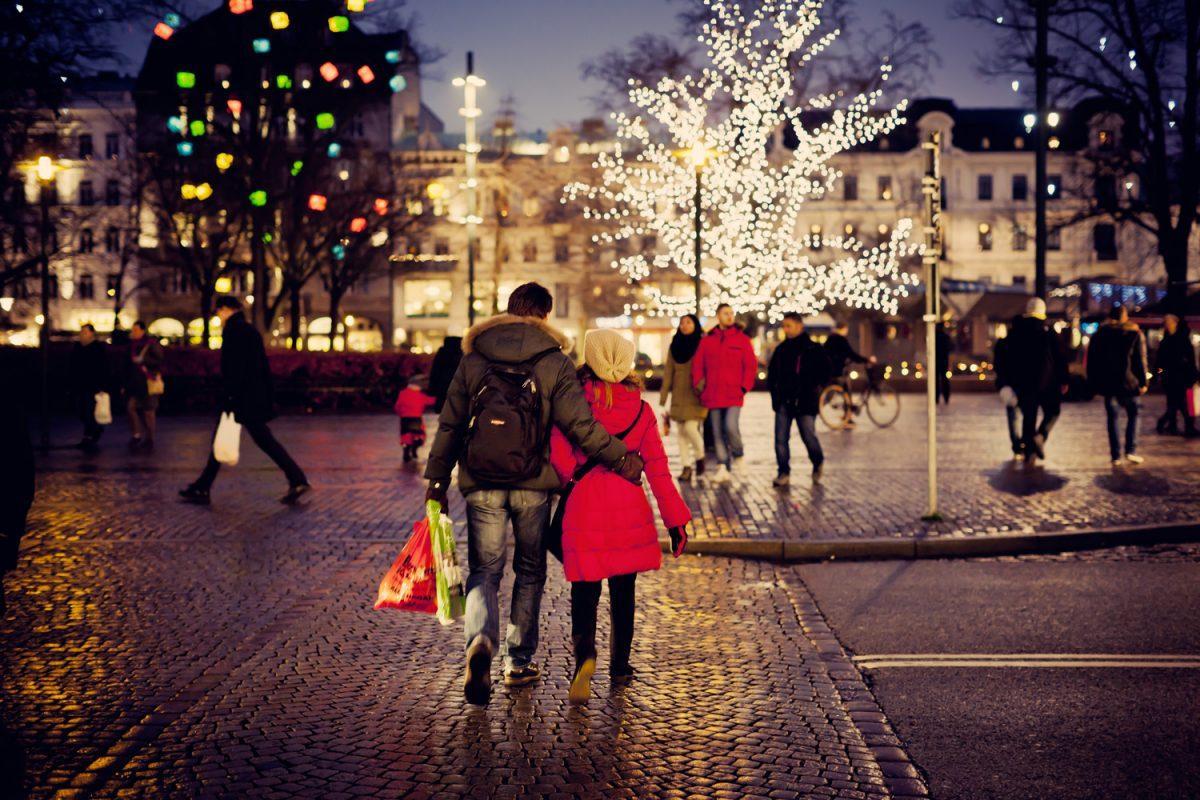 Navidad en la plaza Gustav Adolf en Malmö <br> Foto: Werner Nystrand