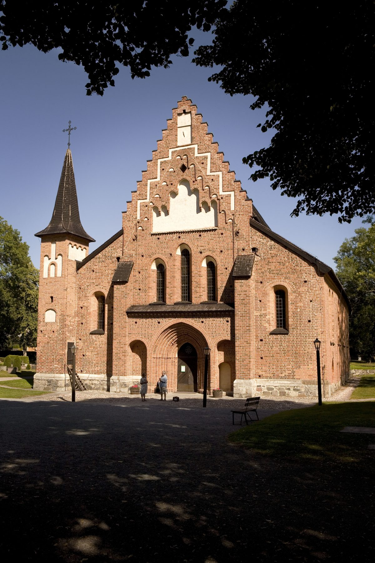 Mariakyrkan, a church built with bricks in Sigtuna <br /> Photo: destination sigtuna