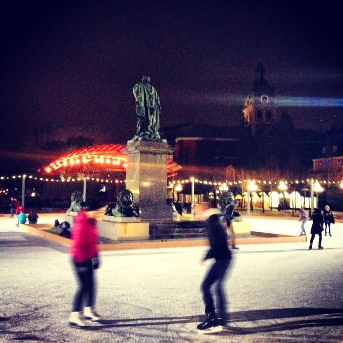 Patinar sobre hielo en Estocolmo<br>Foto: Israel Úbeda / sweetsweden.com
