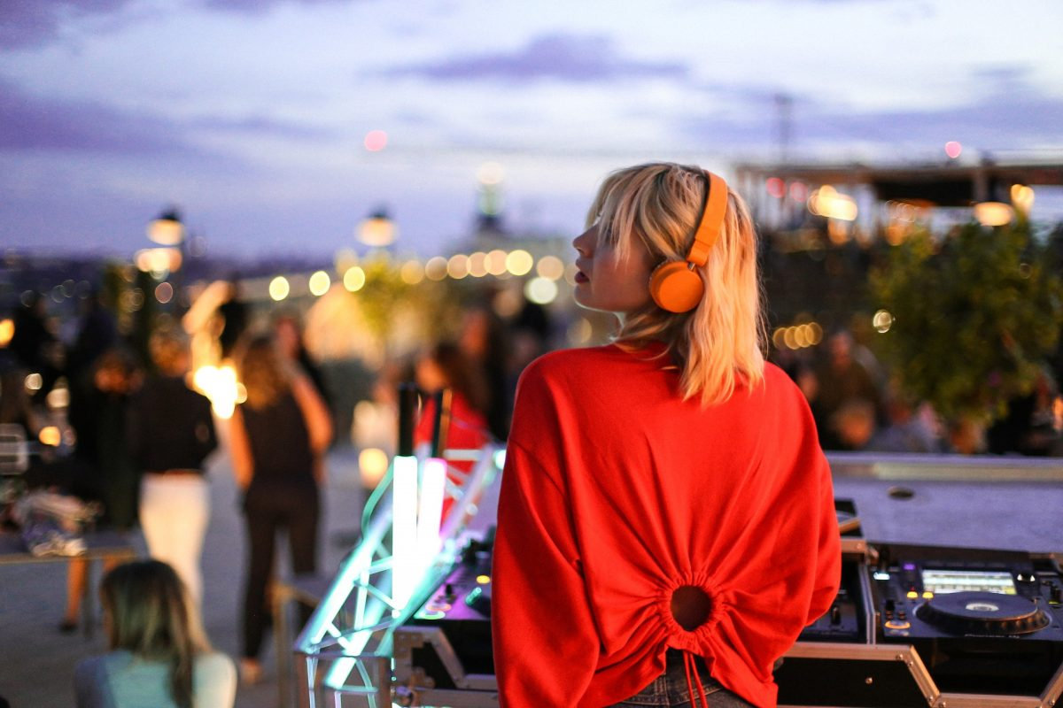 A DJ playing at Stockholm Under Stjärnorna, hotel At Six's rooftop bar in Stockholm <br /> Photo: Cimon Nicolas