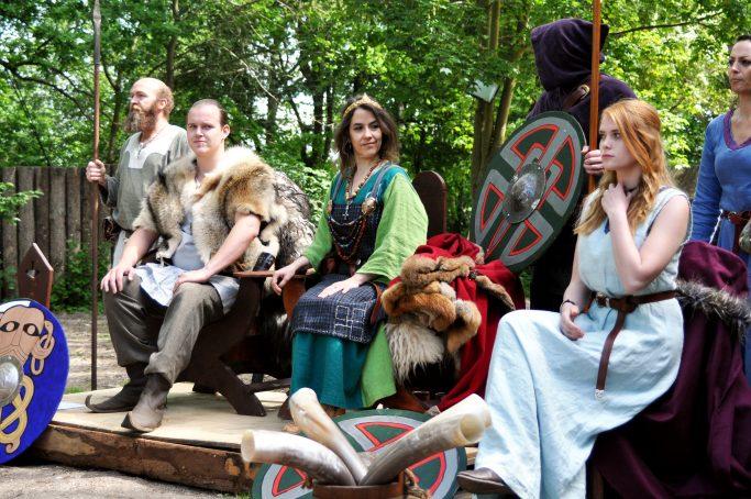 Foteviken recrea la vida vikinga