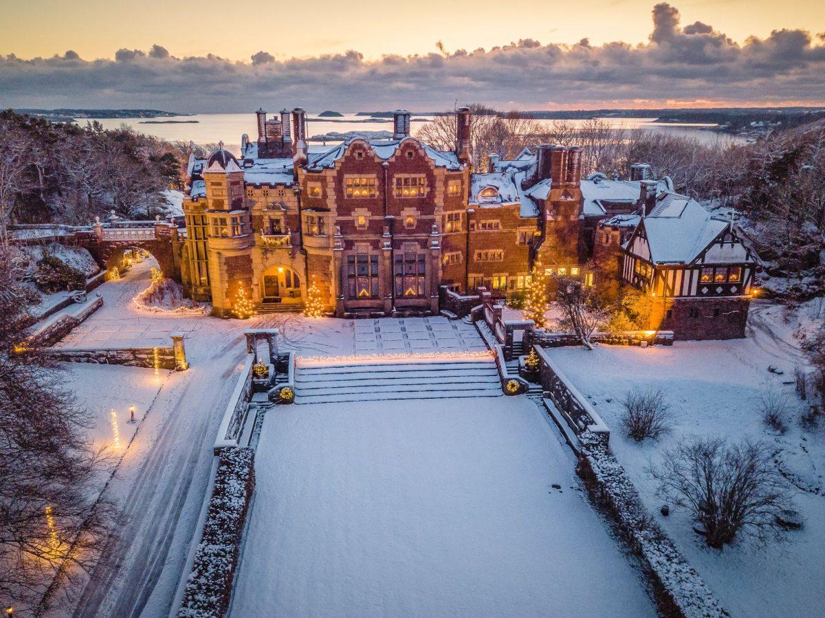 El Castillo de Tjolöholm en Suecia en Navidad