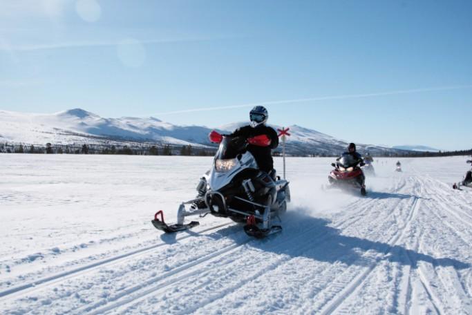 Motos de nieve en Suecia en Funäsfjällen