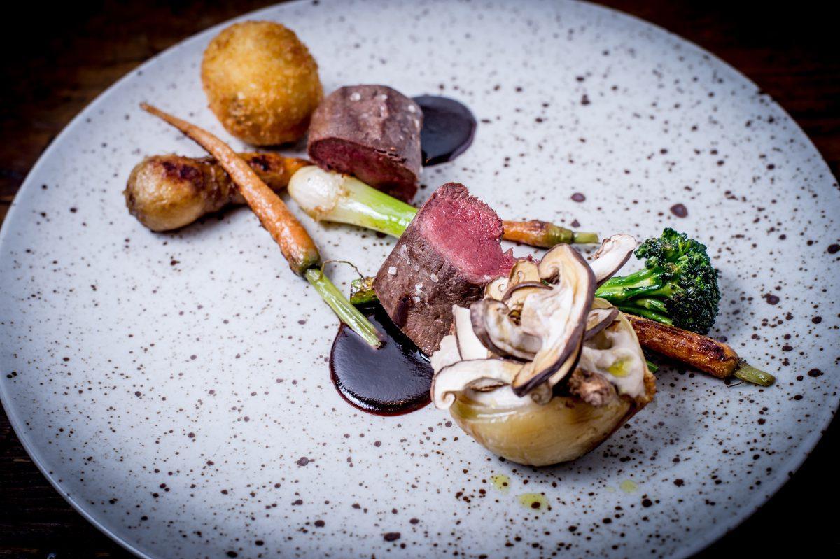 Plato del menú Mesa del Chef en el restaurante del Icehotel de Suecia <br> Foto: Asaf Kliger / icehotel.com