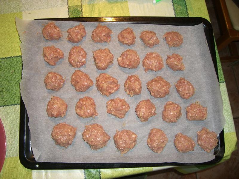 Albóndigas listas para el horno - Foto: Israel Úbeda / sweetsweden.com