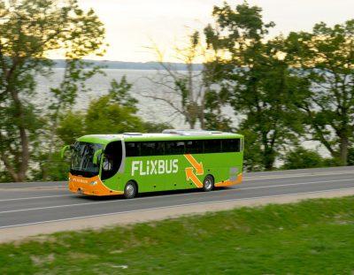 Günstiger Shuttlebus vom Flughafen Arlanda nach Stockholm