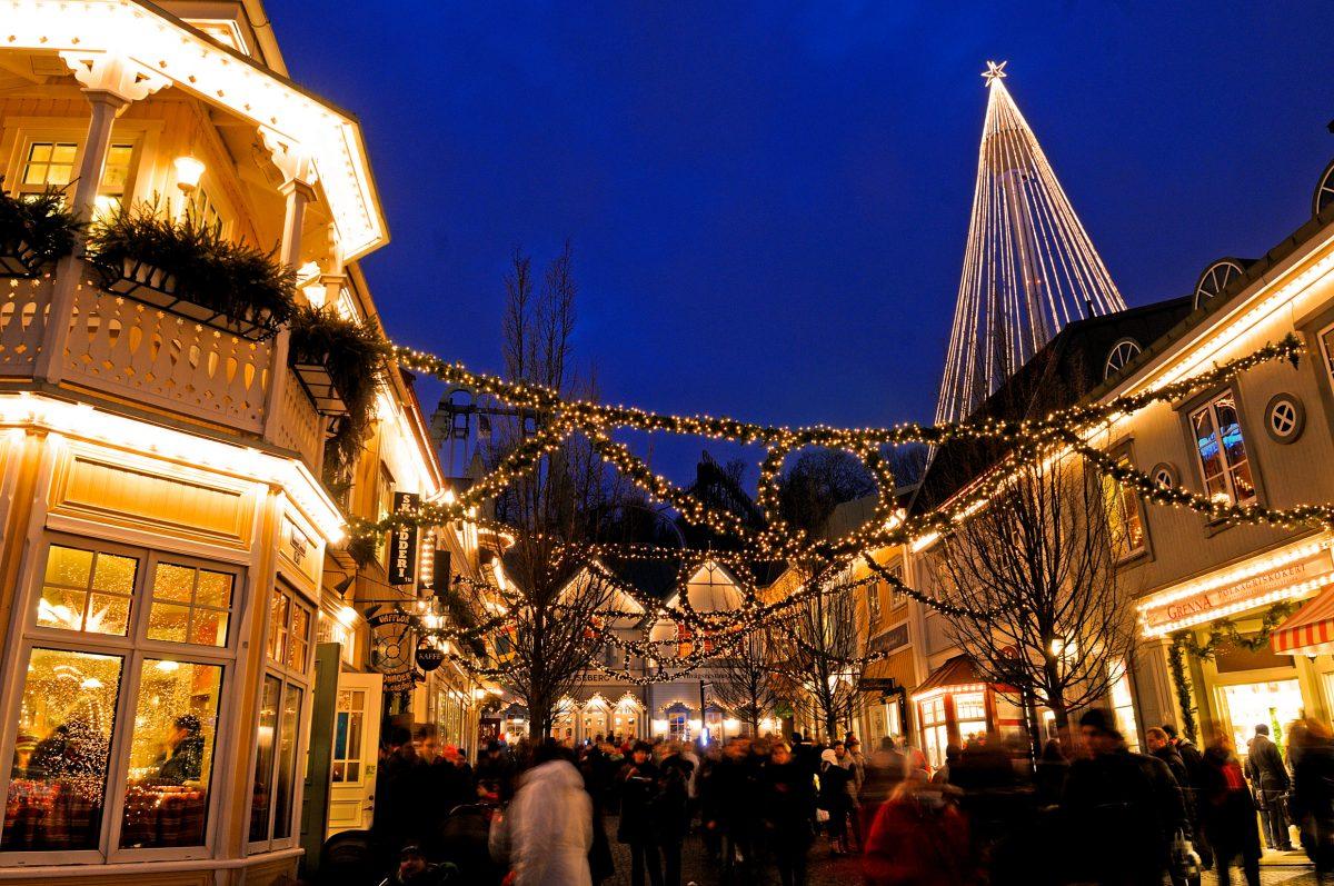 Liseberg en Gotemburgo - el mercado de Navidad más grande de Suecia <br> Foto: Göran Assner / imagebank.sweden.se