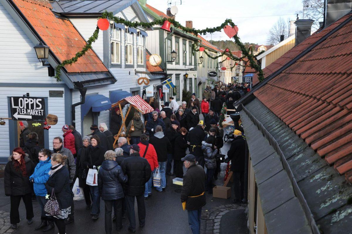 Calle principal de Sigtuna durante el mercado de Navidad <br> Foto: destinationsigtuna.se