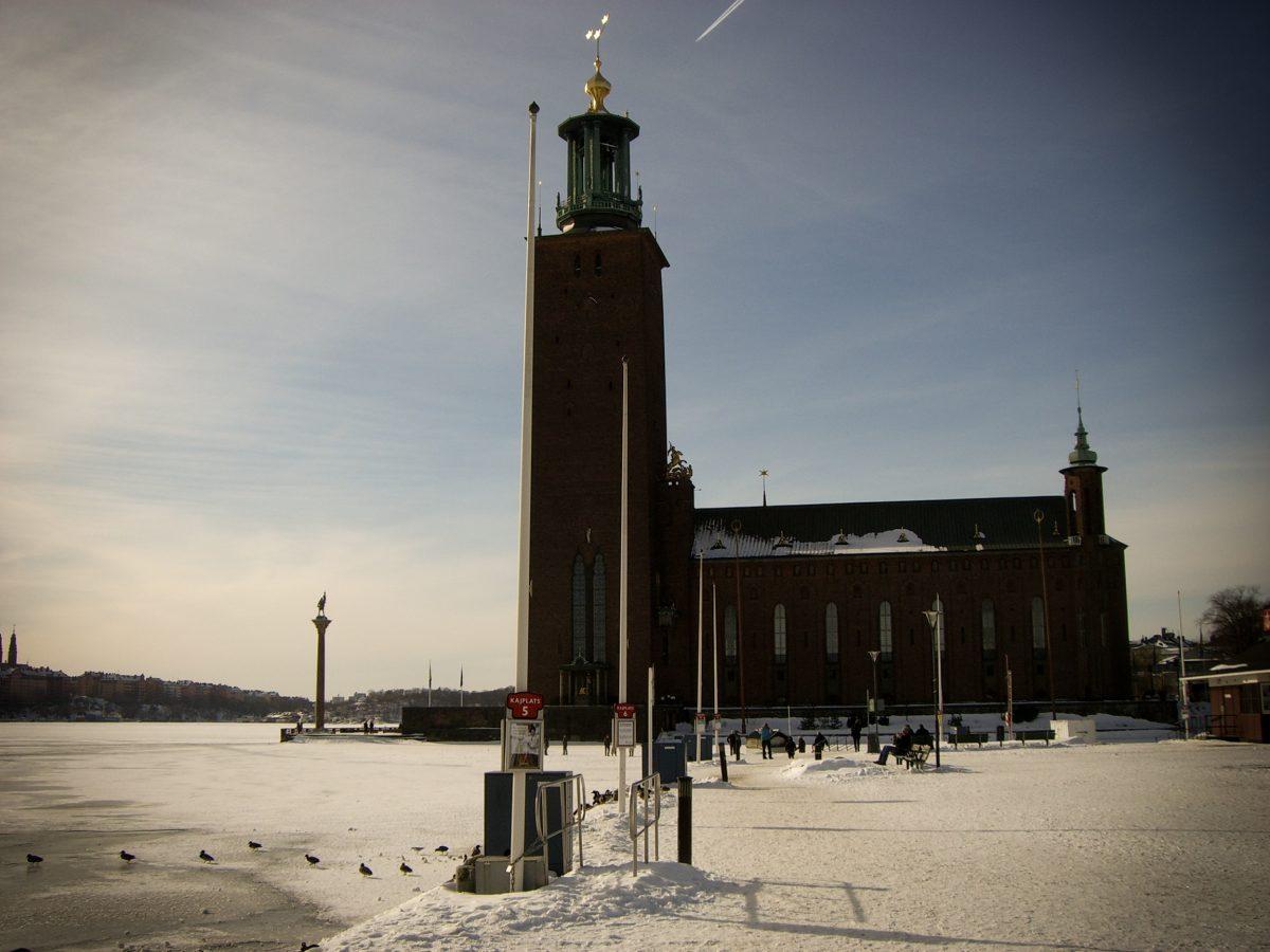 Vistas del ayuntamiento de Estocolmo en invierno <br> Foto: Israel Úbeda / sweetsweden.com