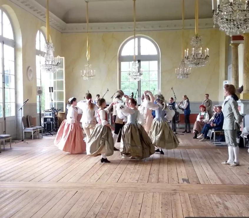 Danza en fiesta barroca <br> Foto: Ulrika Boström