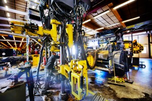 Trabajando en la industria sueca - Foto: Simon Pauli / imagebank.sweden.se