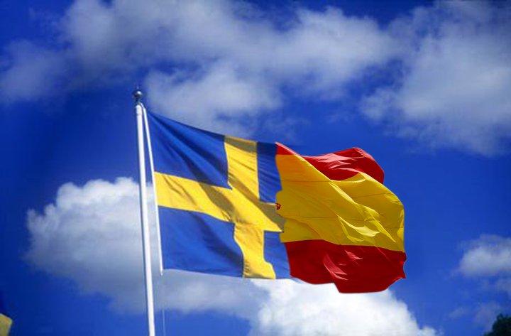 """Banderas """"hermanadas"""" de Suecia y España"""