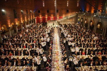 El banquete de los nobel en el ayuntamiento de Estocolmo