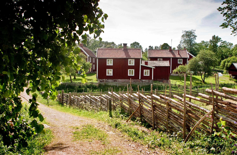 Cabañas rojas en Småland <br> Foto: Tony Töreklint / imagebank.sweden.se